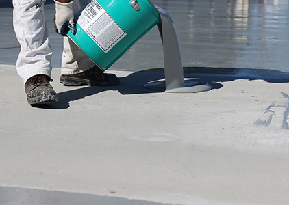 Tremco Vulkem 350NF Base Coat pouring, A Single-Component, Low Odour, Low VOC, Urethane Membrane